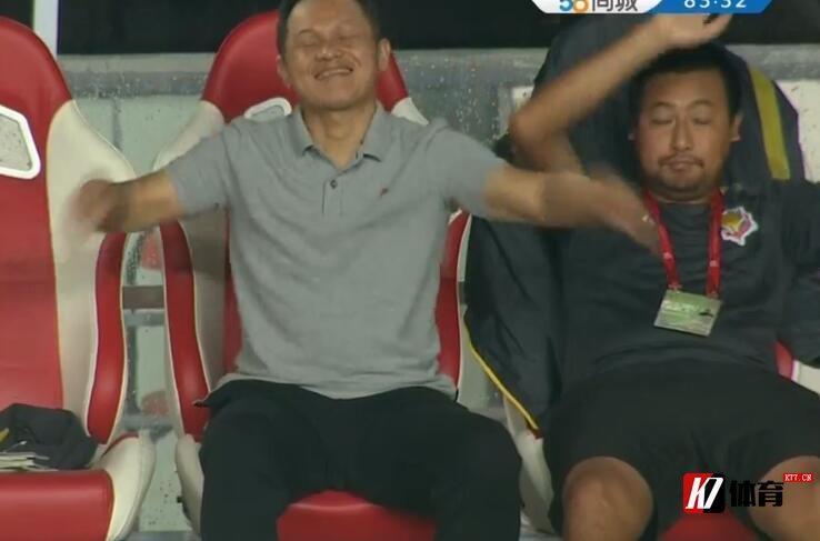申鑫沙龙回应朱炯爆粗口:他对一些球员情绪不满